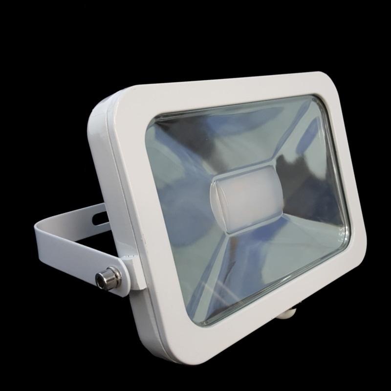 Slim Line LED Scheinwerfer / Fluter 10W - 900Lm in weiß - warm-weiß (3000K)